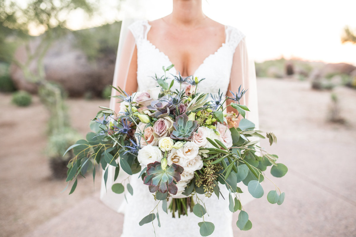 phoenix-wedding-succulent-bouquet-desert-wedding