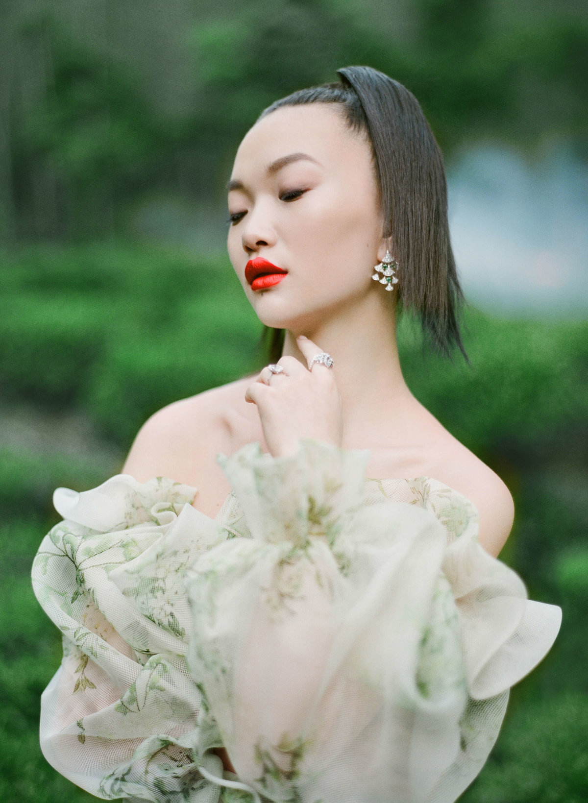 43-ktmerry-HarpersBazaar-MoniqueLhuillier-hautecouture-China