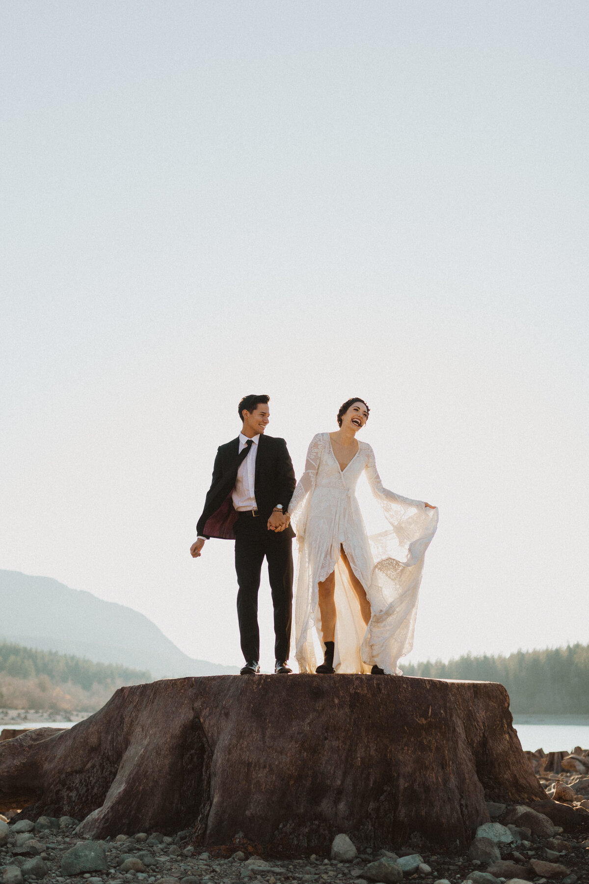 liv_hettinga_photography_seattle_lake_adventure_elopement-9