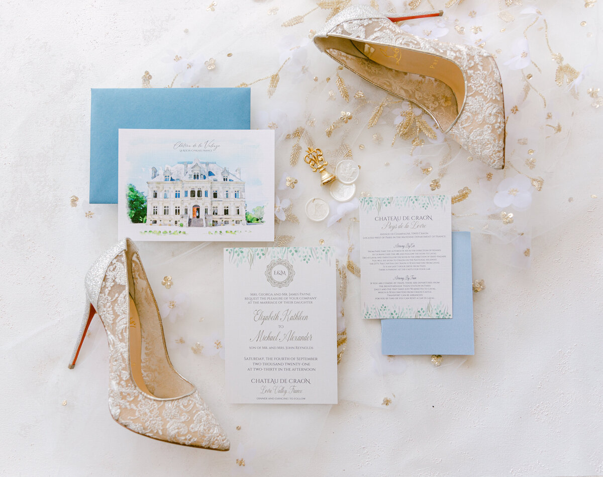 Destination wedding in France. Beautiful wedding details at Chateau de la Valouze in france.