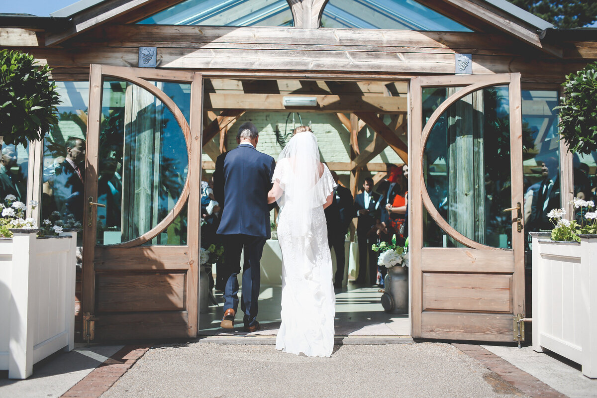 GAYNES-PARK-BARN-WEDDING-ESSEX-0027