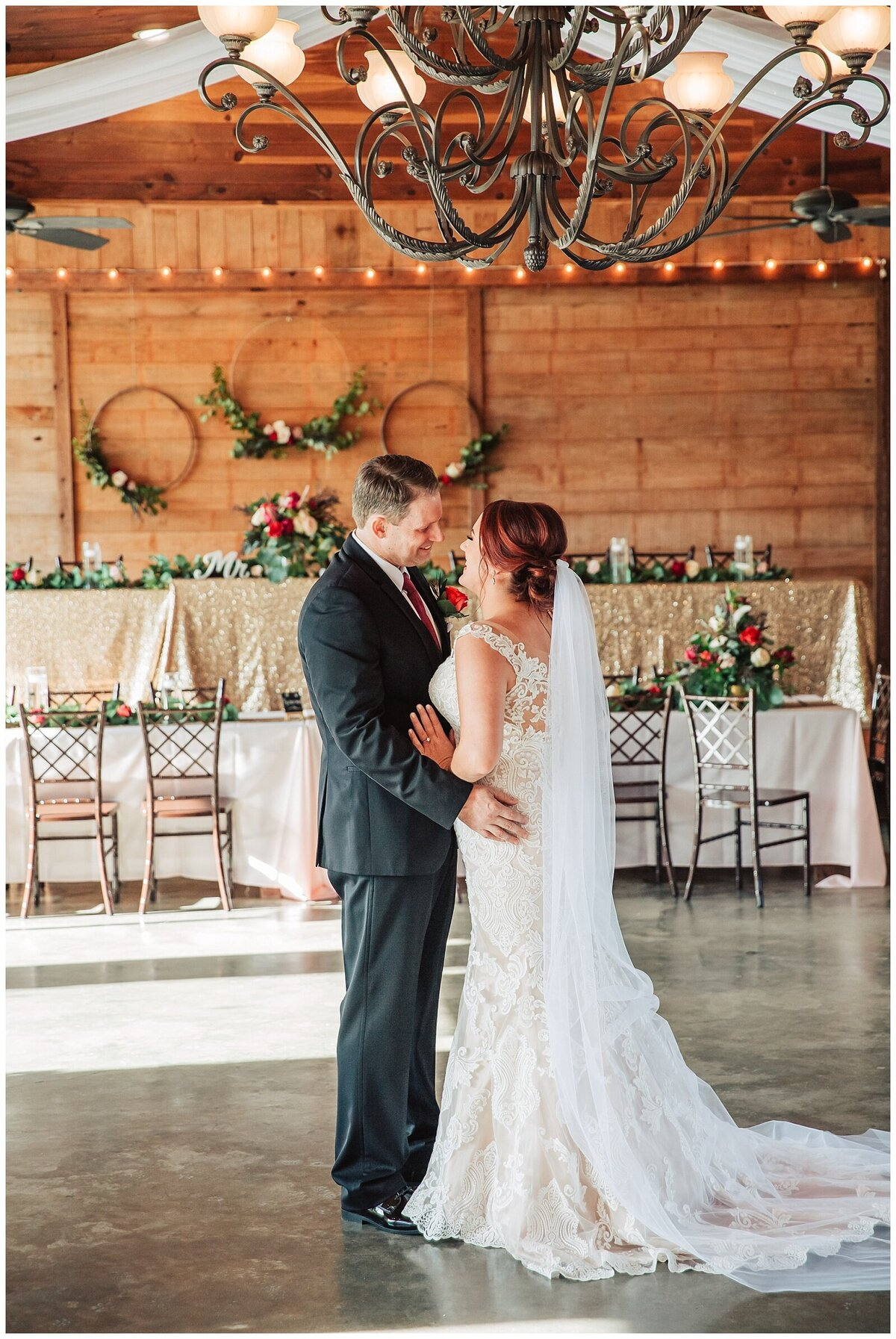 Rustic Burgundy and Blush Indoor Outdoor Wedding at Emery's Buffalo Creek - Houston Wedding Venue_0668