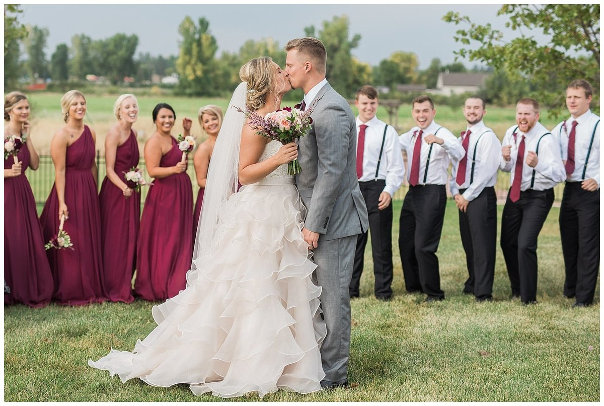 Romantic Wedding - South Dakota Wedding - Midwest Wedding_0310