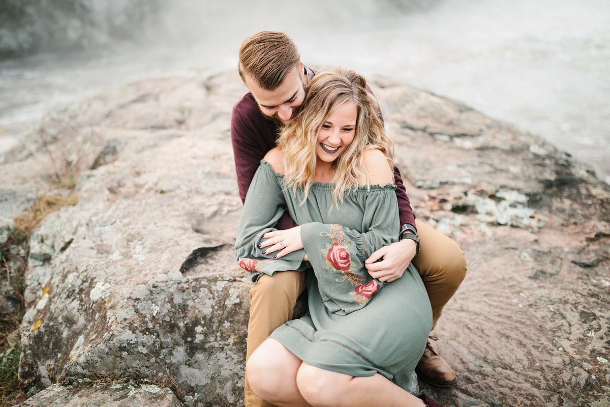 Taylors-Falls-Minneapolis-Fall-Engagement-5