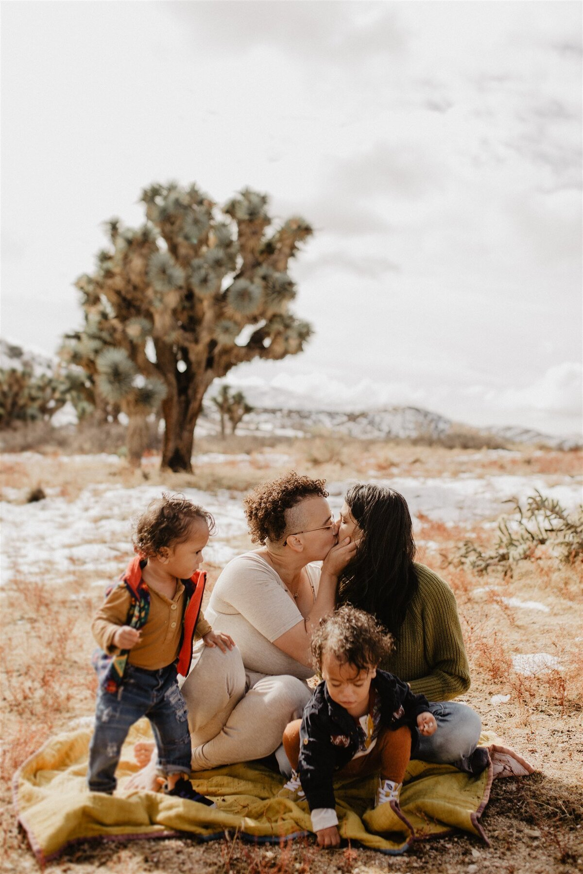 Brizzy-Rose-and-Emma-Hesperia-Family-Session-6