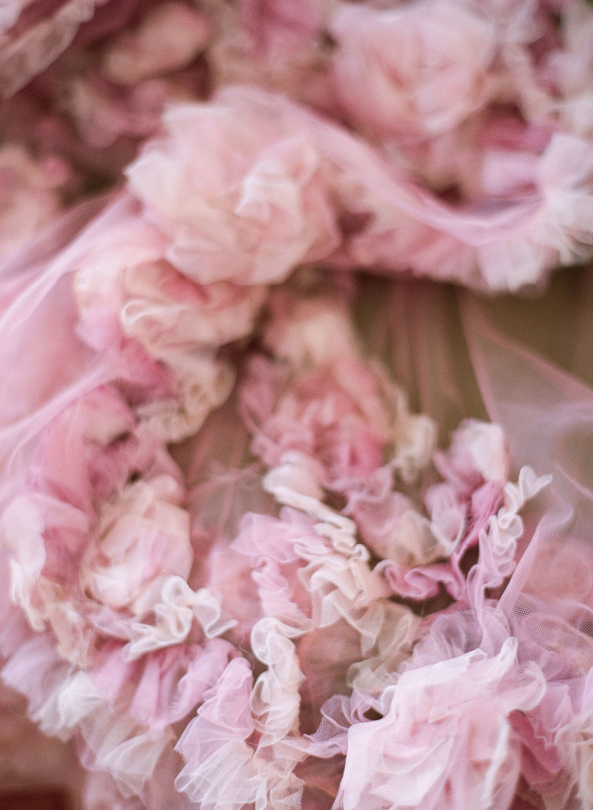 14-KTMerry-pink-Marchesa-detail