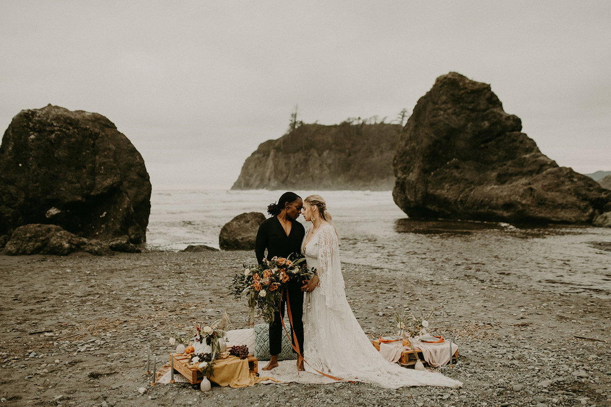 Ruby_Beach_Styled_Elopement_-_Run_Away_with_Me_Elopement_Collective_-_Kamra_Fuller_Photography_-_Portraits-121