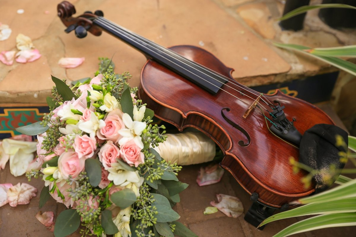 Capture Aloha Photography  Guitar and Bouquet