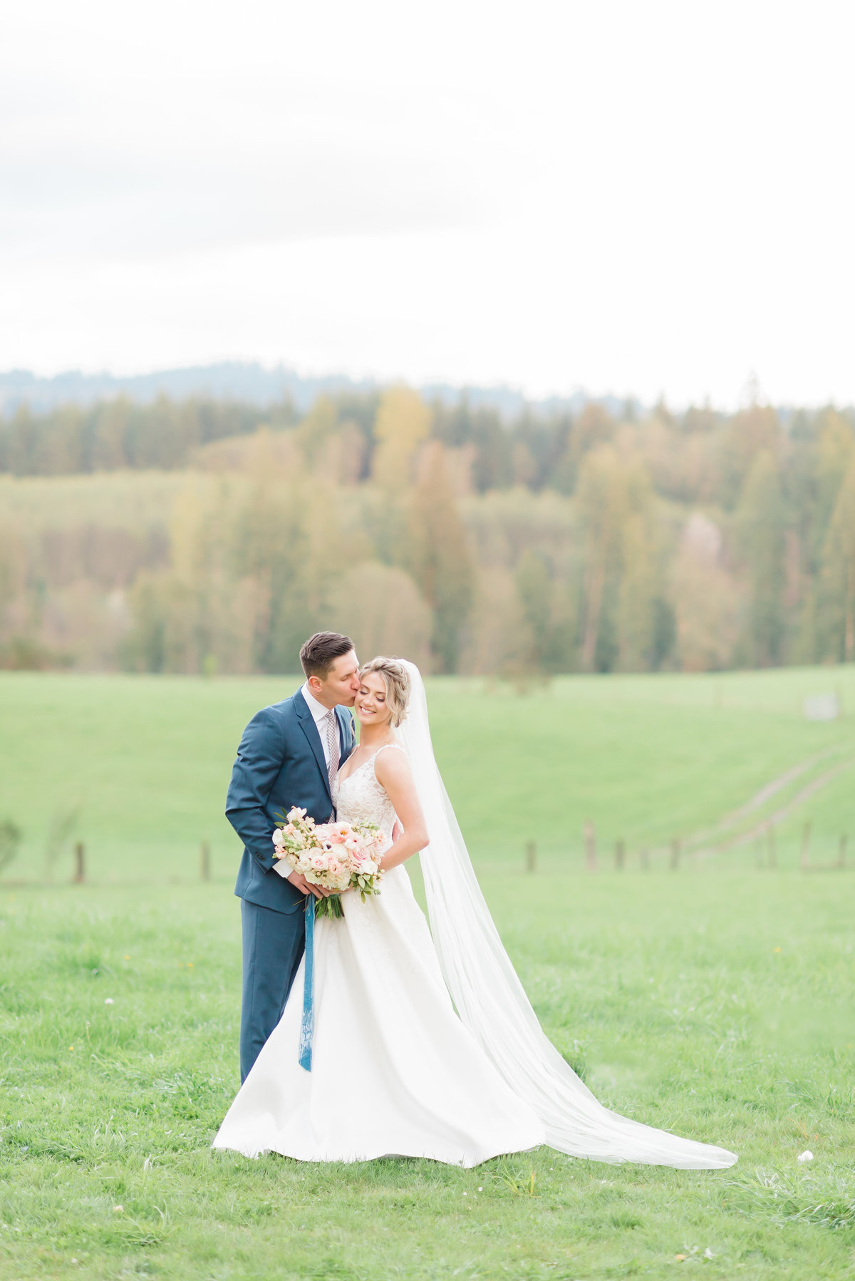 Kalahan and Sean Photography Wedding Engagement Photographer Portland Oregon Light Airy Destination Luxury27