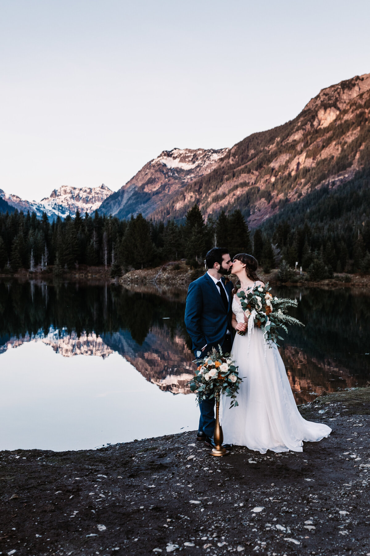 Oregon_elopement_Gold_Creek_pond_Adventure_wedding_photography (367 of 793)