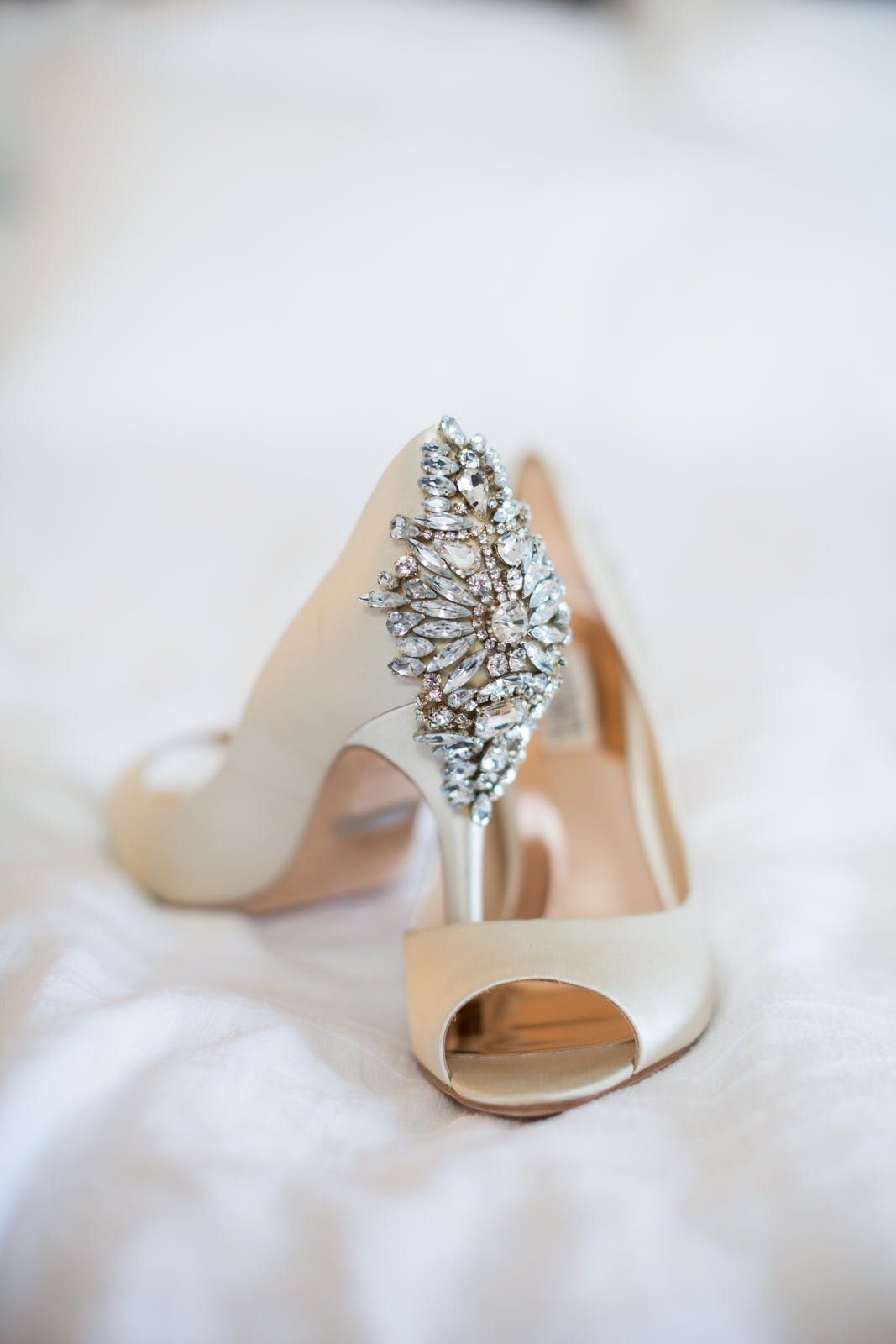 wedding heels ventanas