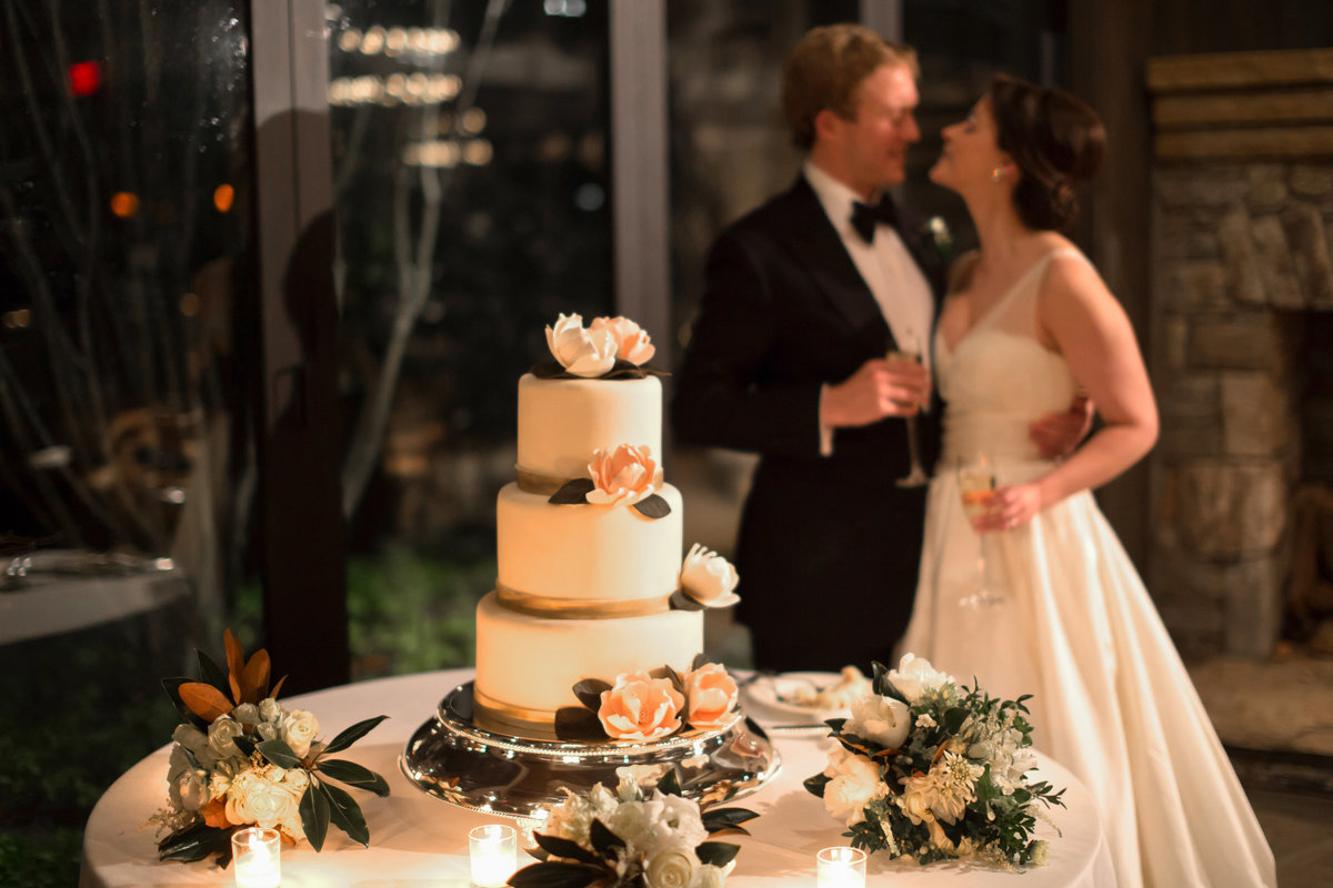 0066_Old-Edwards-Inn-Highlands-NC-Winter-Wedding