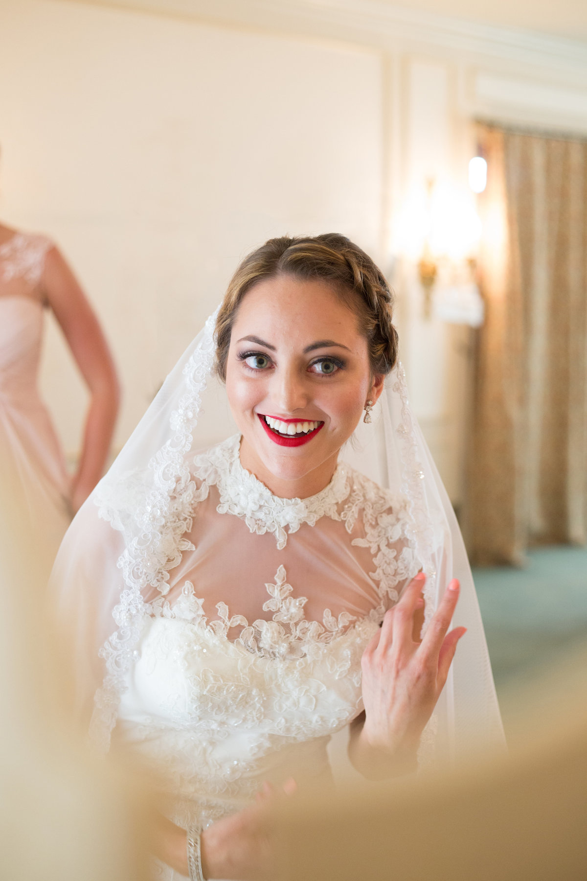 bride-getting-ready-vintage-inspired-wedding-halley-lutz-photography