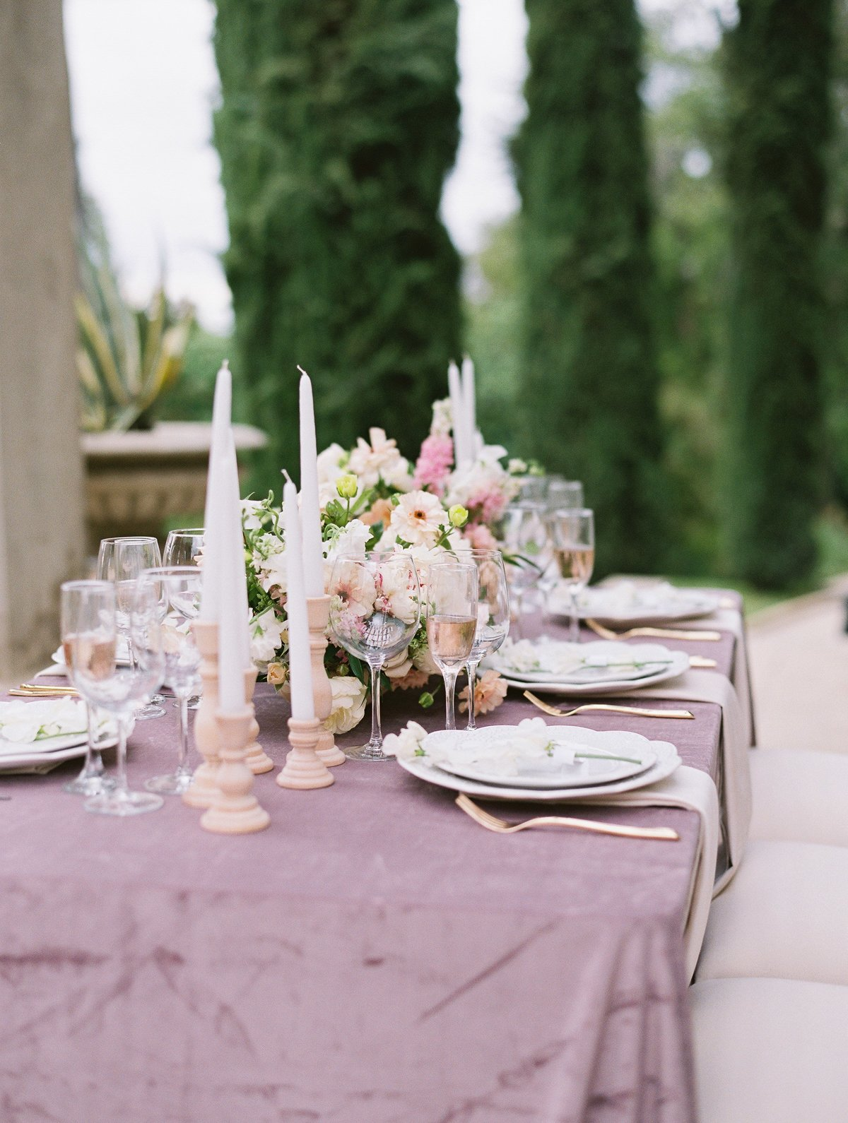 daniel-and-bethany-weddings-purple-reception-table