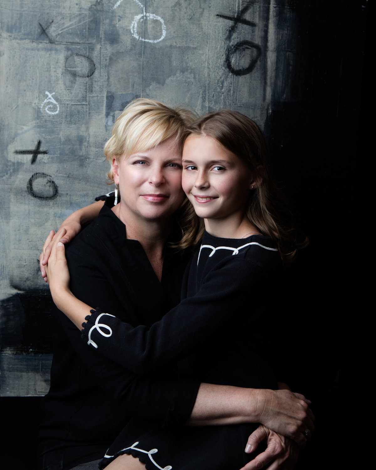 Dramatic photoshoot mother daughter images