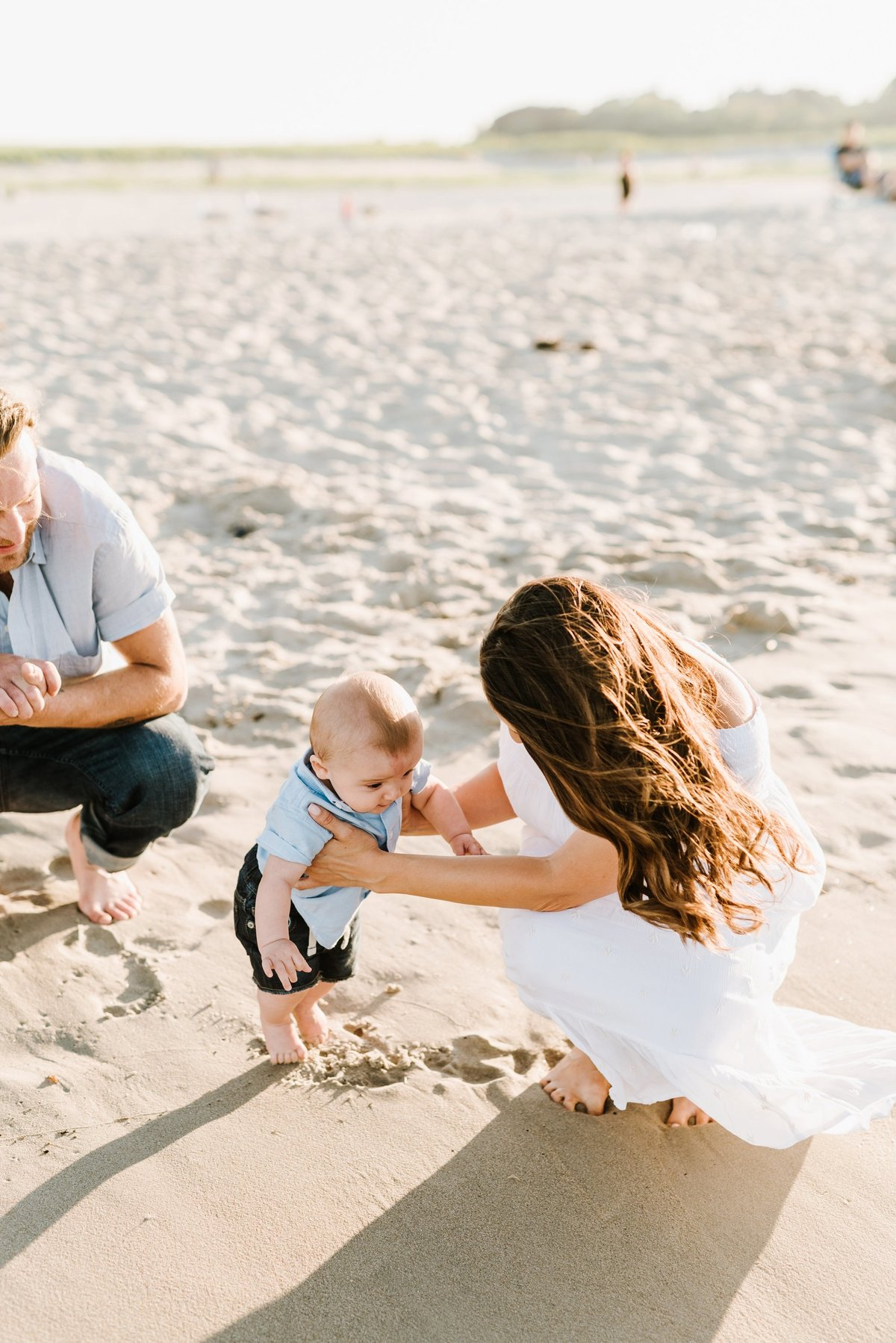 crane-beach-family-session-boston-lifestyle-newborn-photographer-photo_0021