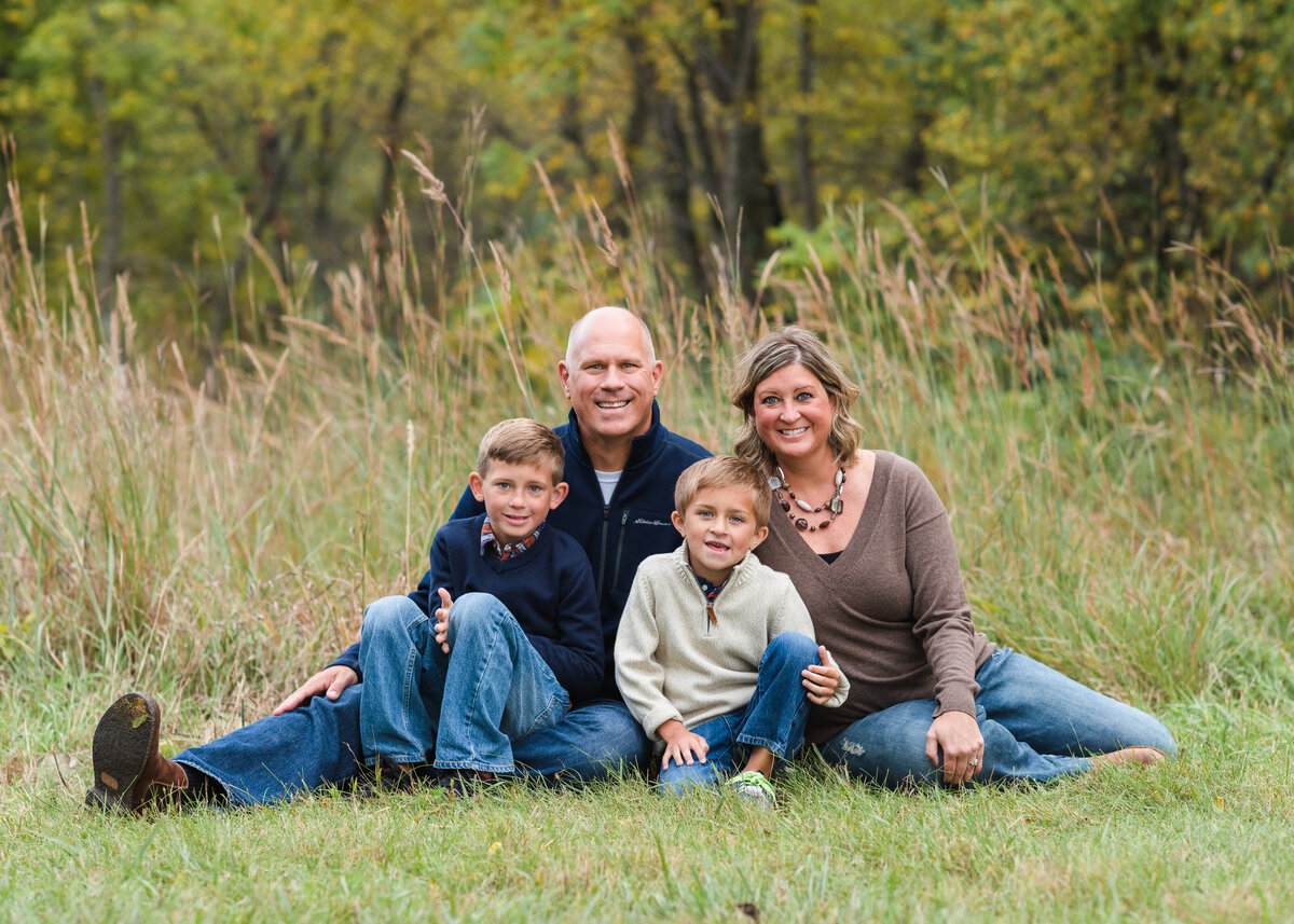 Des-Moines-Iowa-Family-Photographer-Theresa-Schumacher-Photography-Fall-Park-Sitting