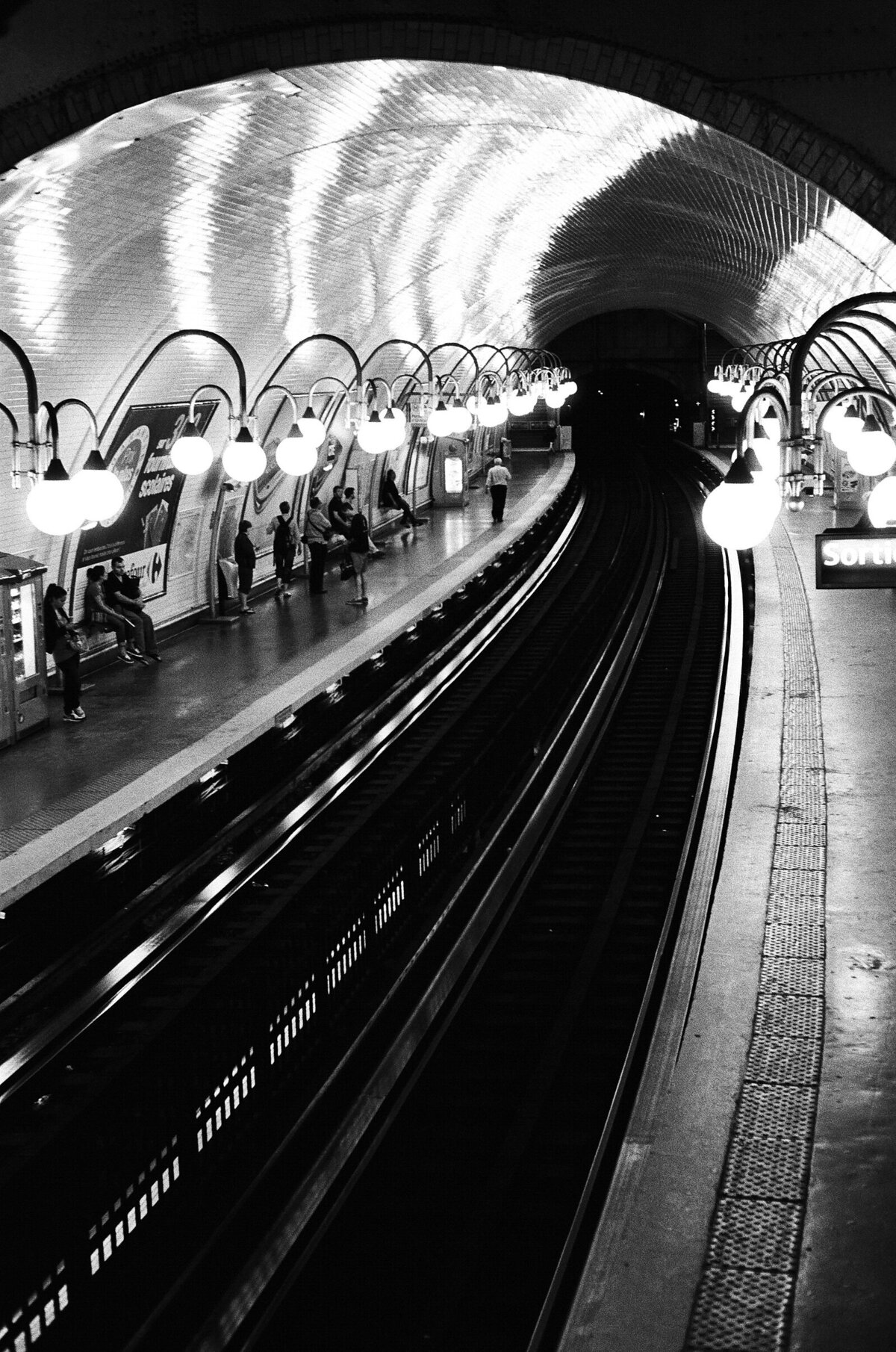 Paris subway photo