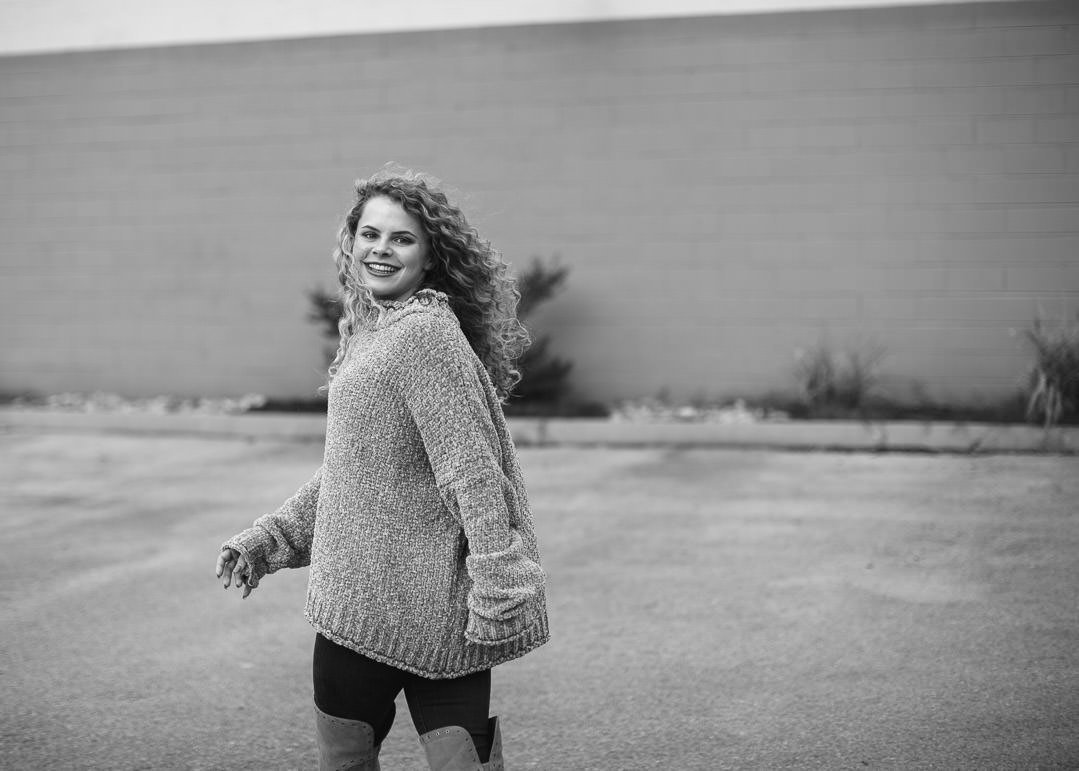 Downtown Knoxville - Senior Portrait Photographer - Kylee's Portraits - Oct 2018-47