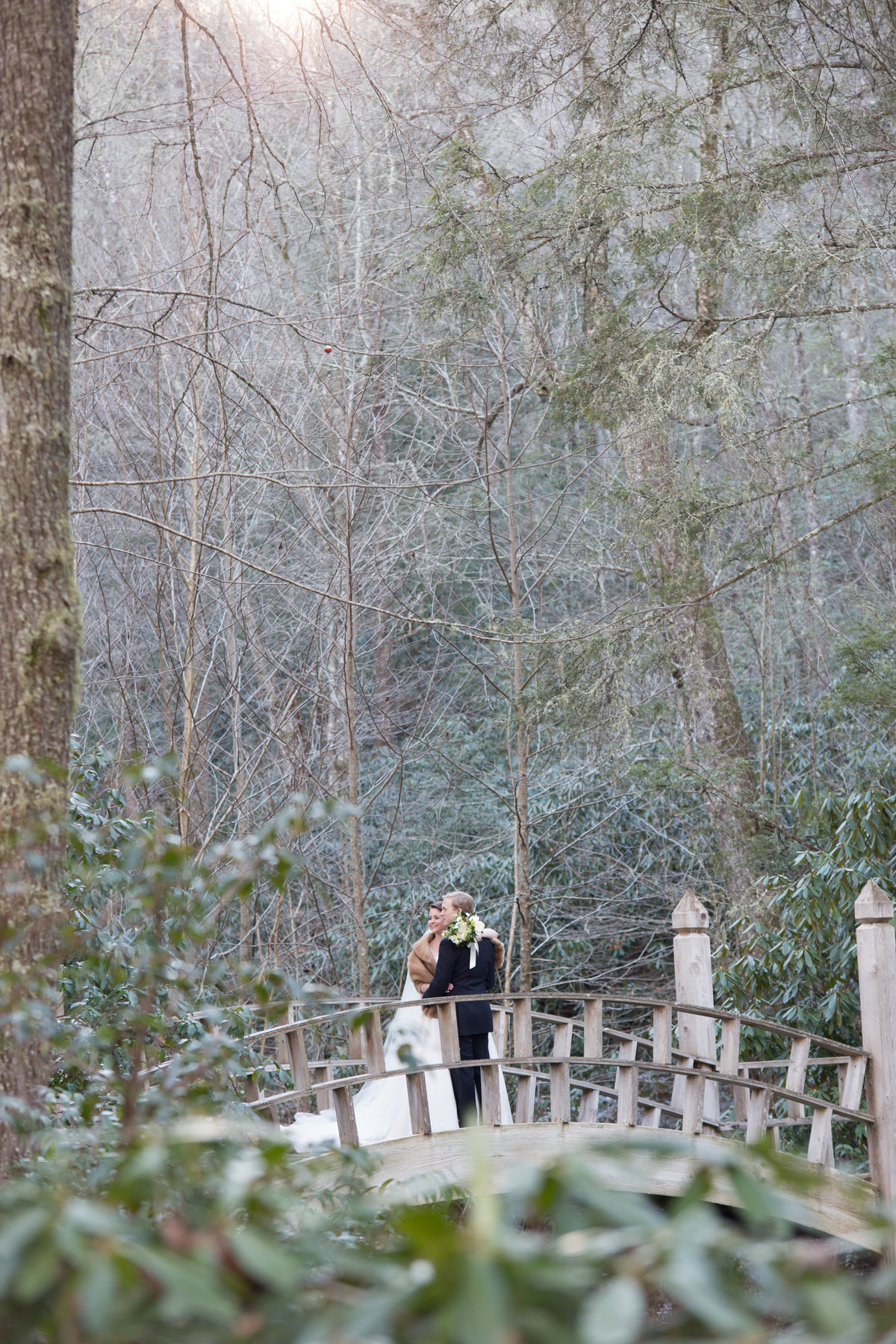 0026_Old-Edwards-Inn-Highlands-NC-Winter-Wedding
