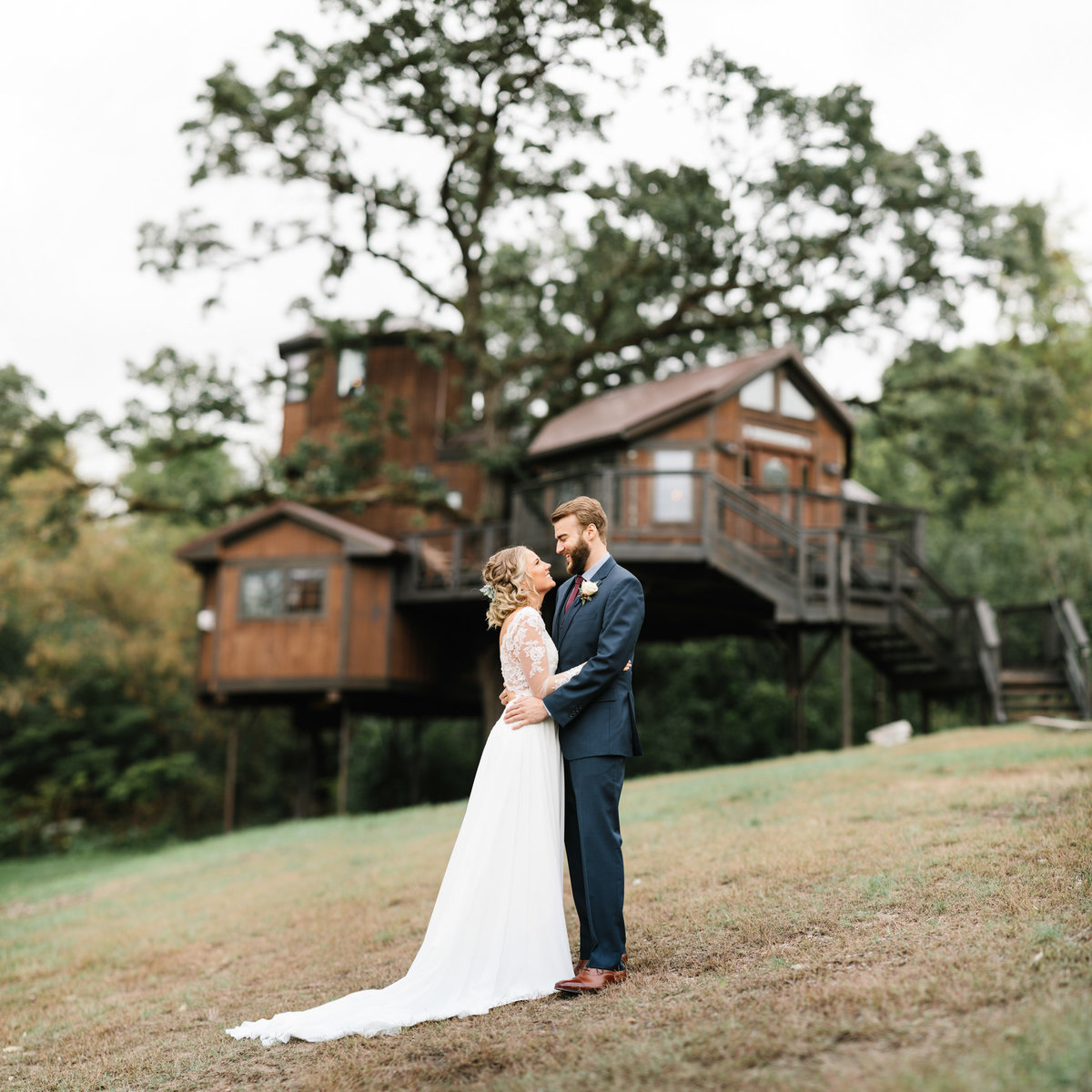 Hope-Glen-Farm-Cottage-Grove-Minnesota-September-Fall-Wedding-23