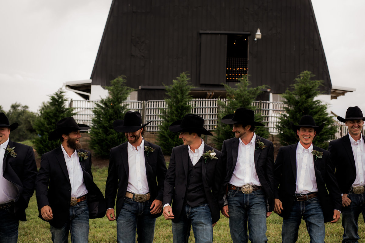 Nsshville Bride - Nashville Brides - The Hayloft Weddings - Tennessee Brides - Kentucky Brides - Southern Brides - Cowboys Wife - Cowboys Bride - Ranch Weddings - Cowboys and Belles036