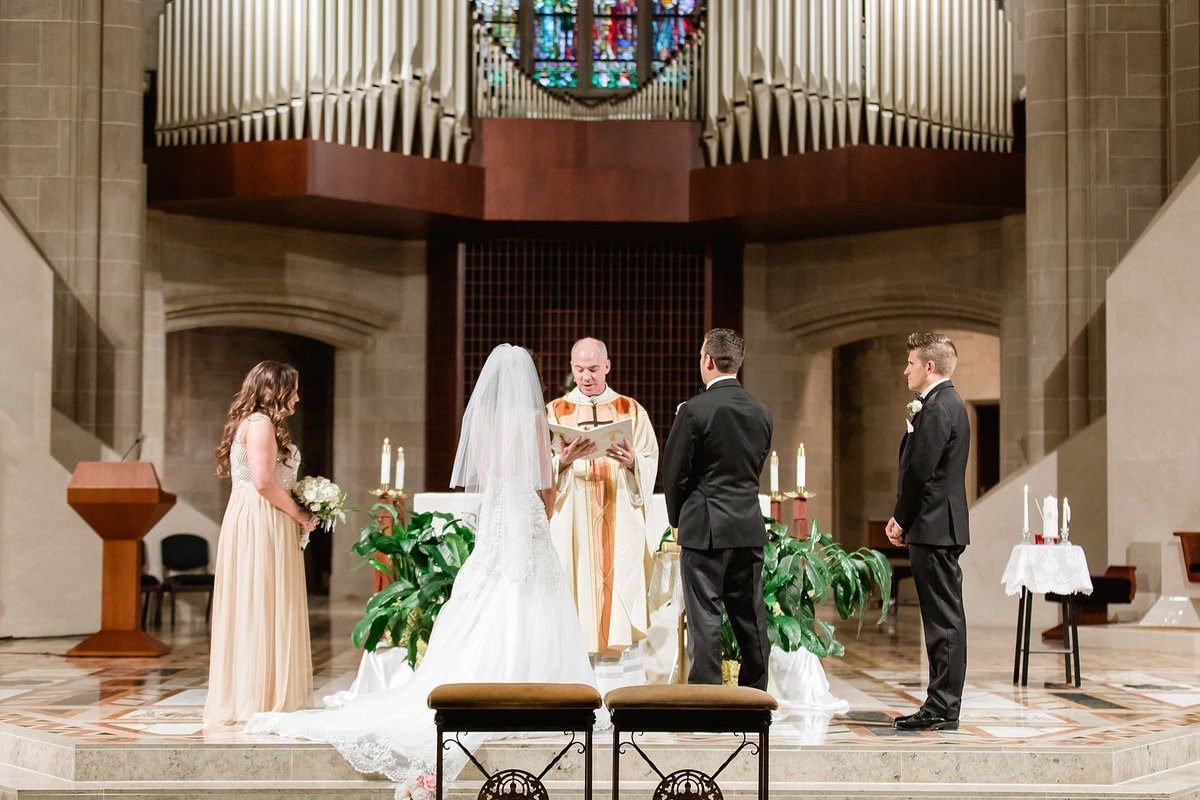 Katelyn-Matt-Downtown-Detroit-Cathedral-Most-Blessed-Sacrament-Wedding-Breanne-Rochelle-Photography50