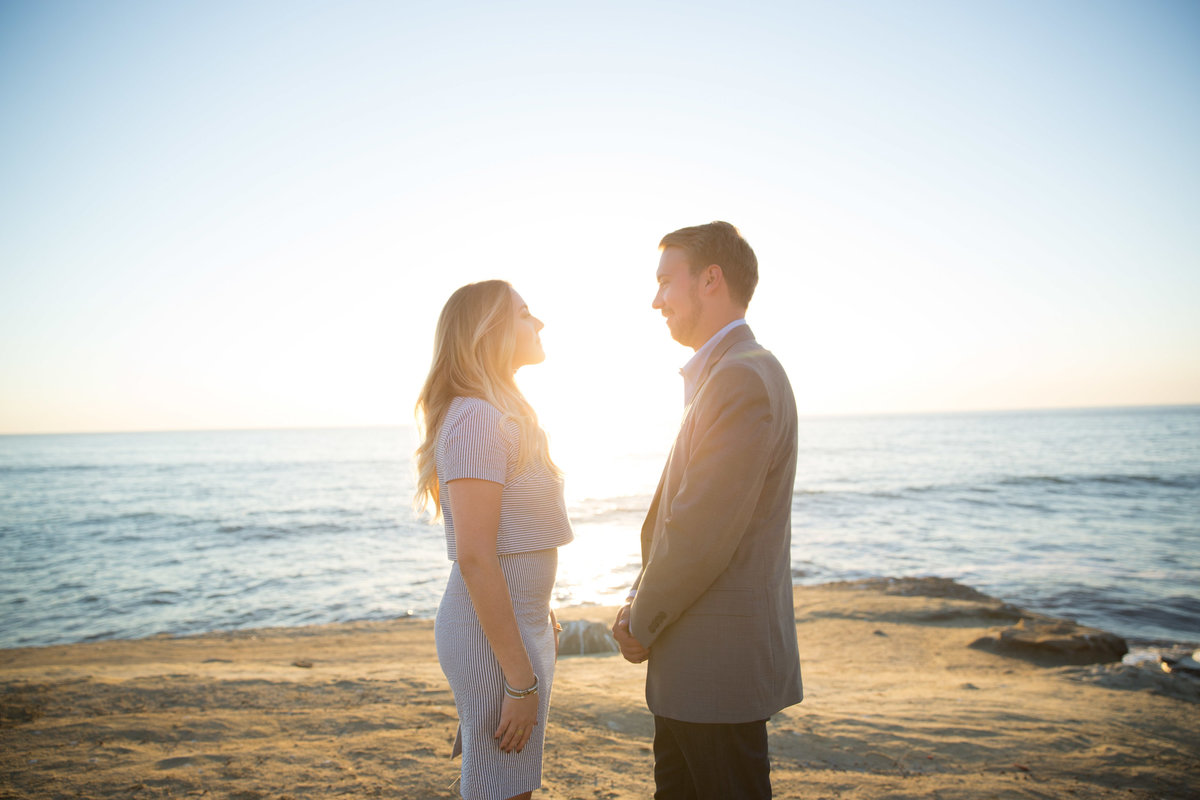 babsie-ly-photography-surprise-proposal-photographer-san-diego-california-sunset-cliffs-epic-scenery-008
