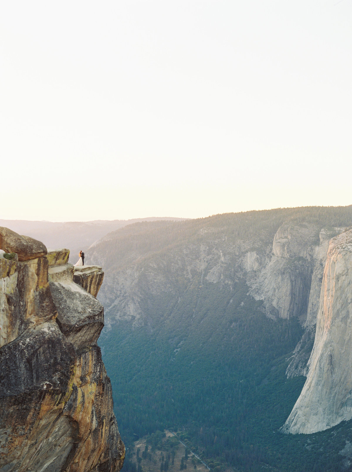 Yosemite Elopement Wedding Taft Point - Cassie Valente Photography 2