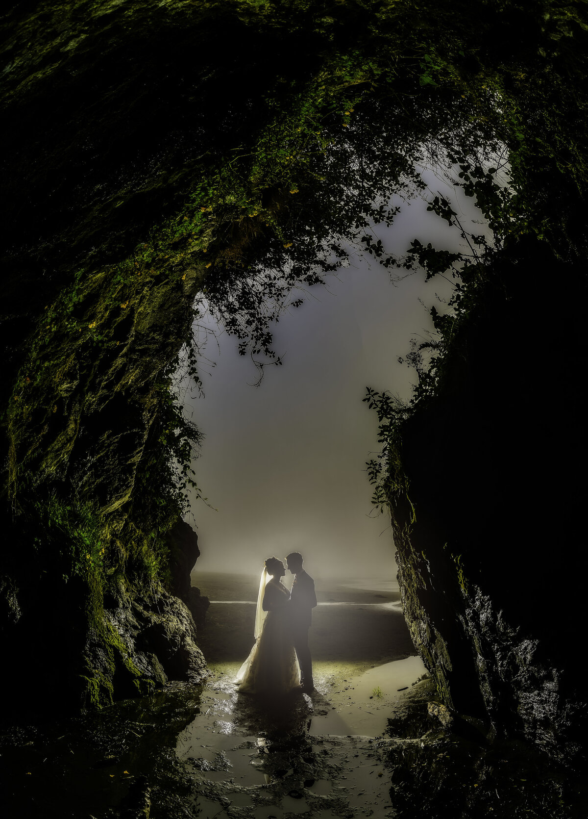 Redway-California-elopement-photographer-Parky's-Pics-Photography-Trinidad-Callifornia-adventure-elopement-beach-Moonstone-Beach-cave-2.jpg