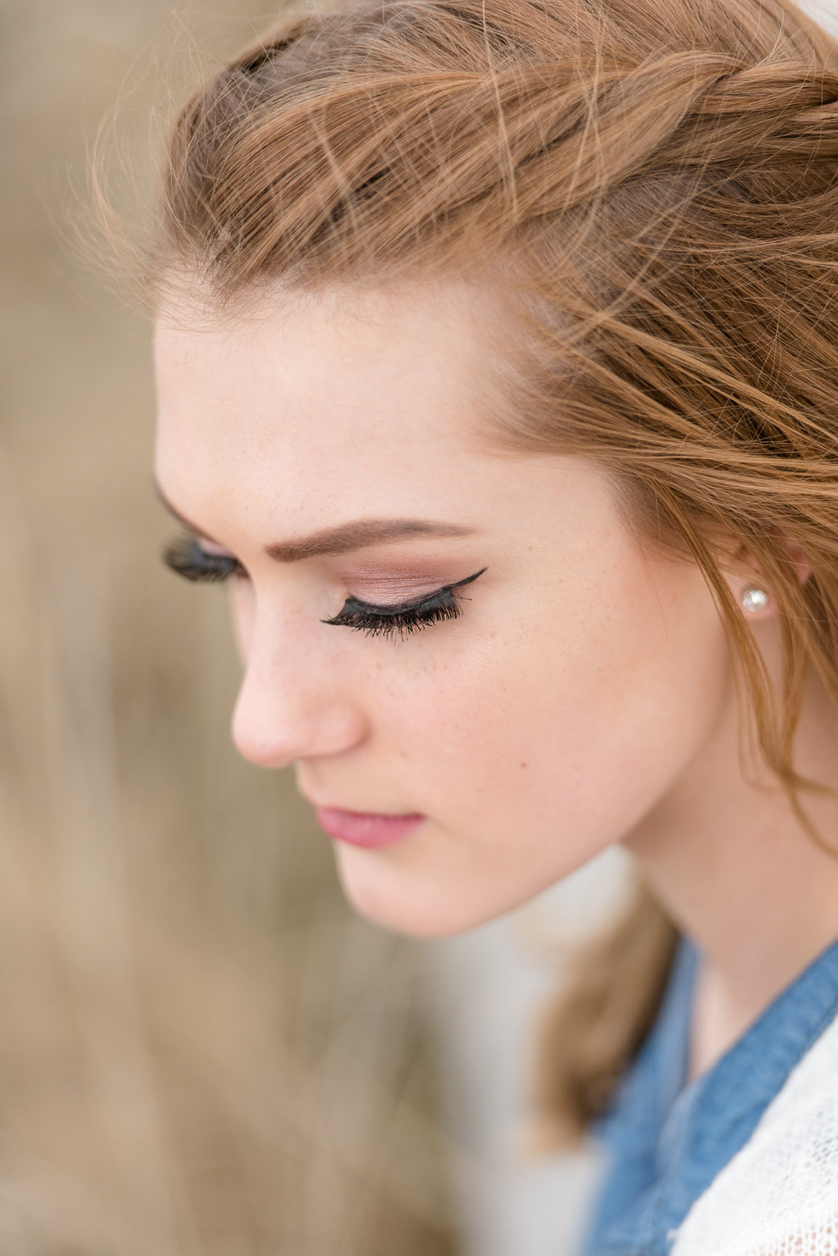 detailed shot of makeup during senior session in layton utah