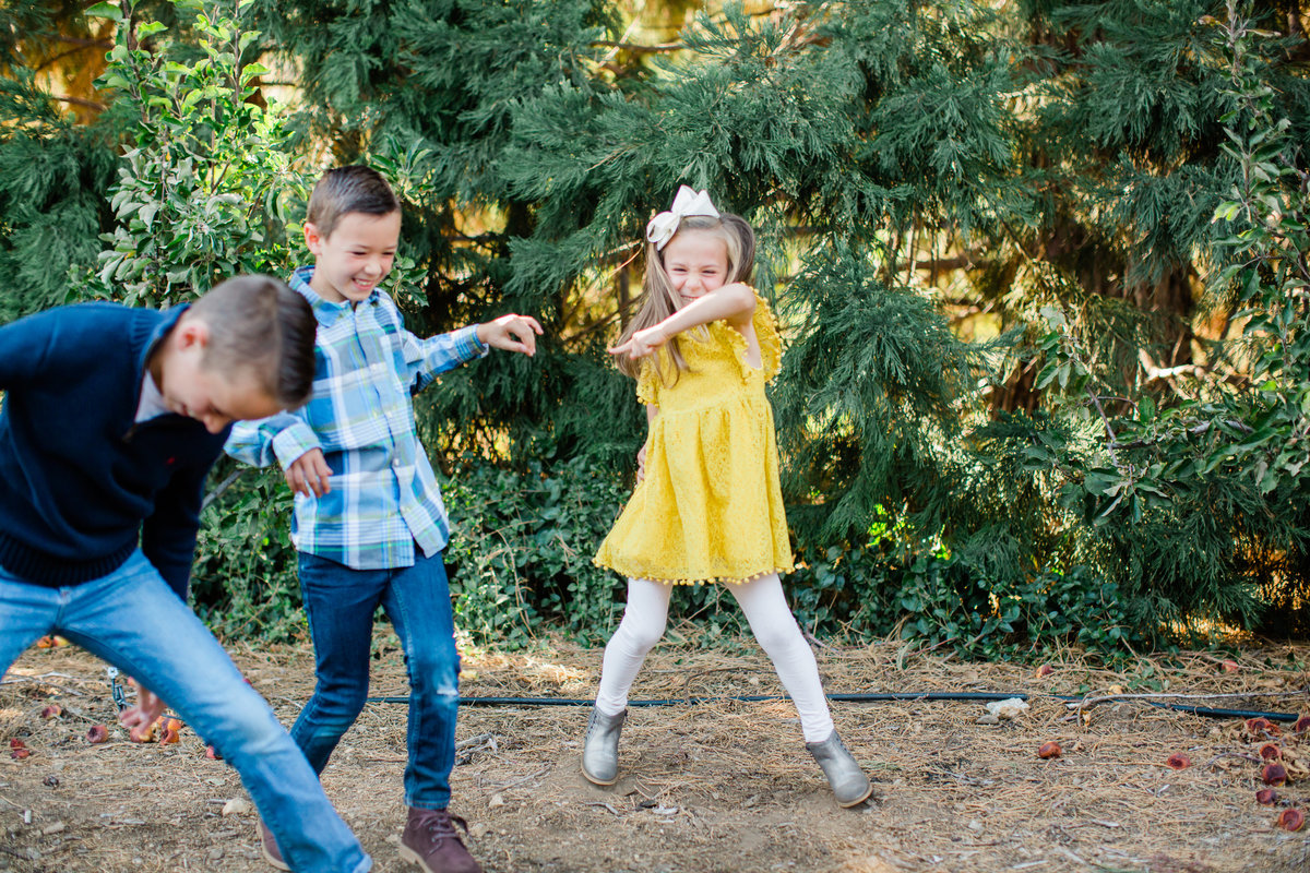 The Dahnke Family 2018 | Oak Glen Holiday Photographer | Katie Schoepflin Photography93