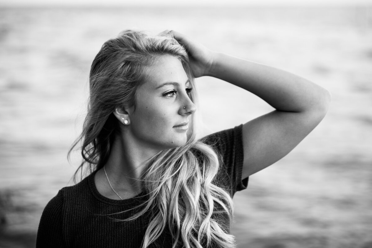 Grand-Haven-MI-Nature-and-Beach-Senior-Portraits-18