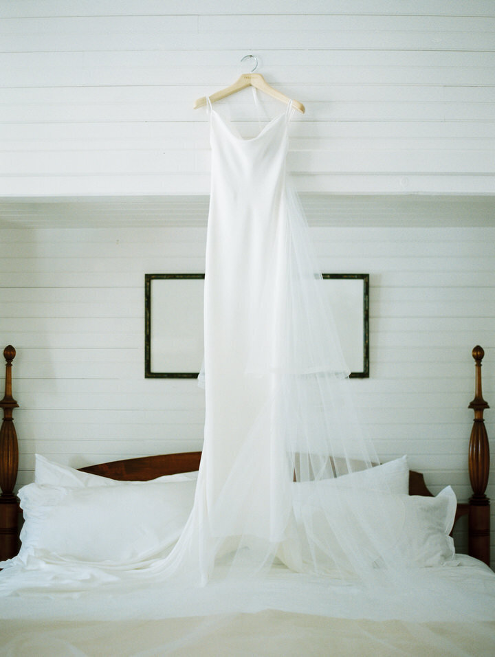 vera wang barbara bush wedding gown