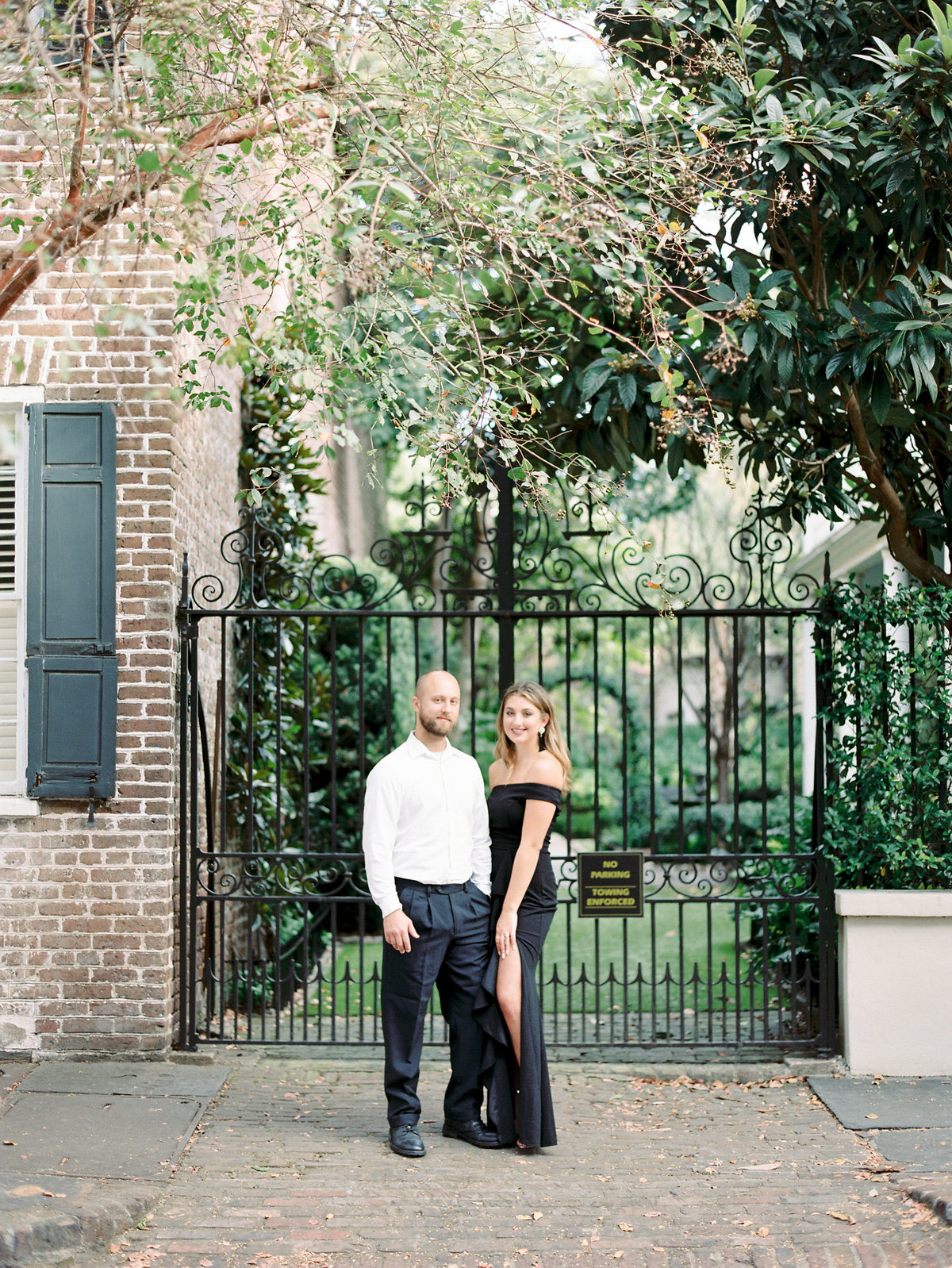 Rainbow-Row-Downtown-Charleston-Engagement-09