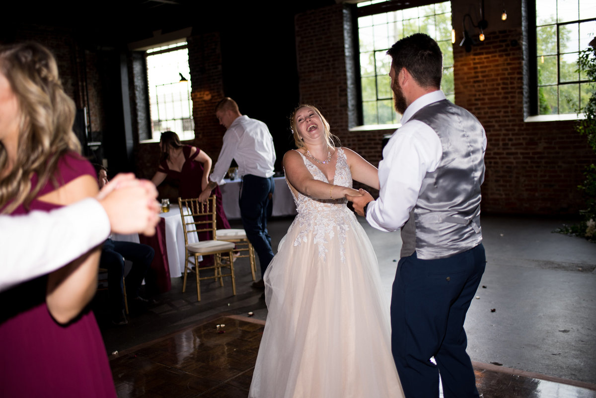 inn-at-the-old-silk-mill-september-autumn-floral-wedding-happy-to-be-events--0504
