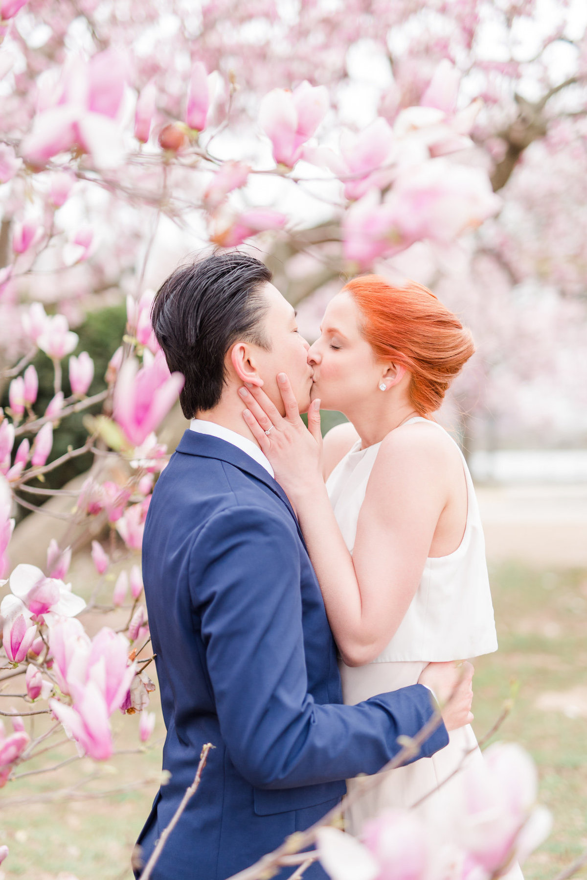 dc-cherry-blossom-engagement-photo