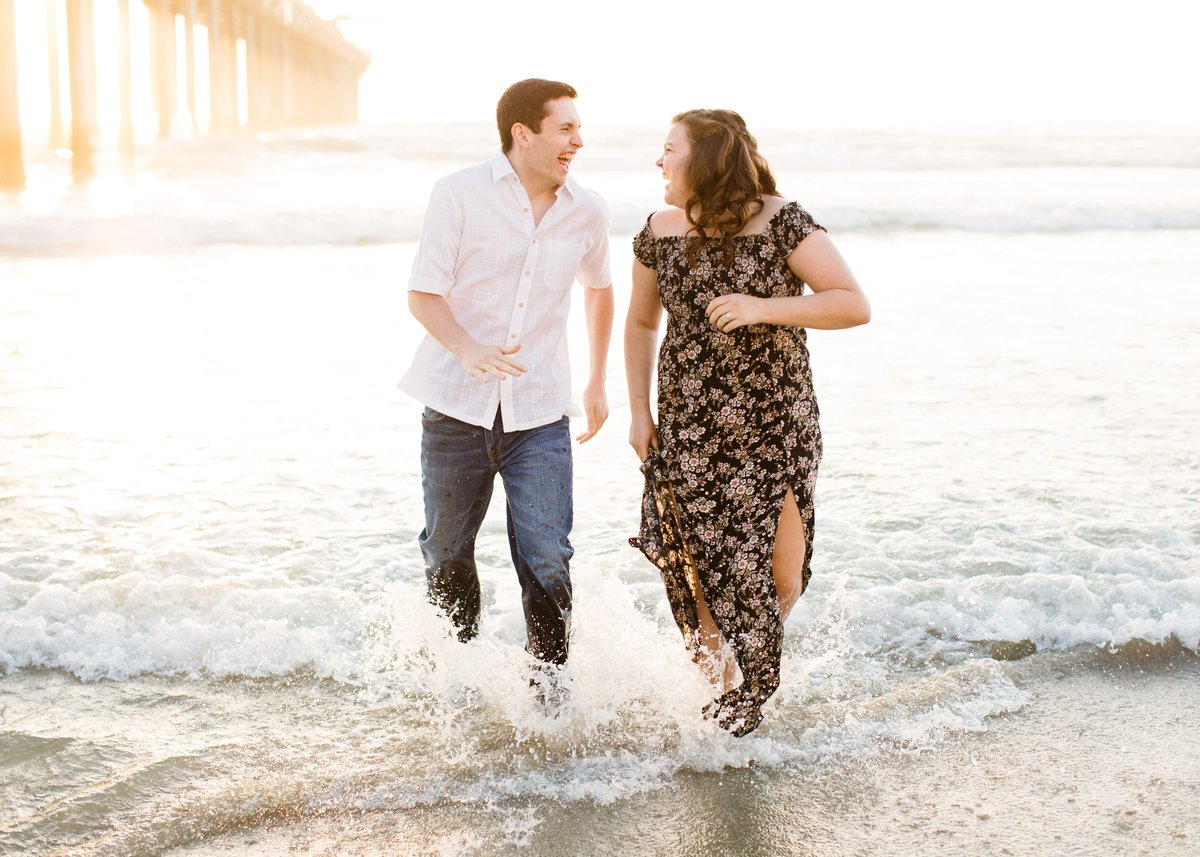 Katherine_beth_photography_San_diego_wedding_photographer_san_diego_wedding_san_diego_engagement_scripps_pier_engagement_002-min