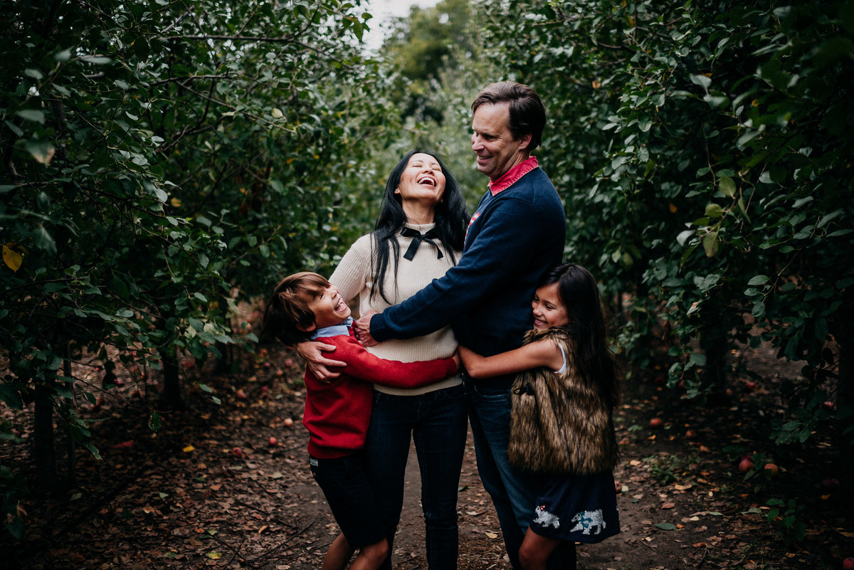apple orchard family photos-7