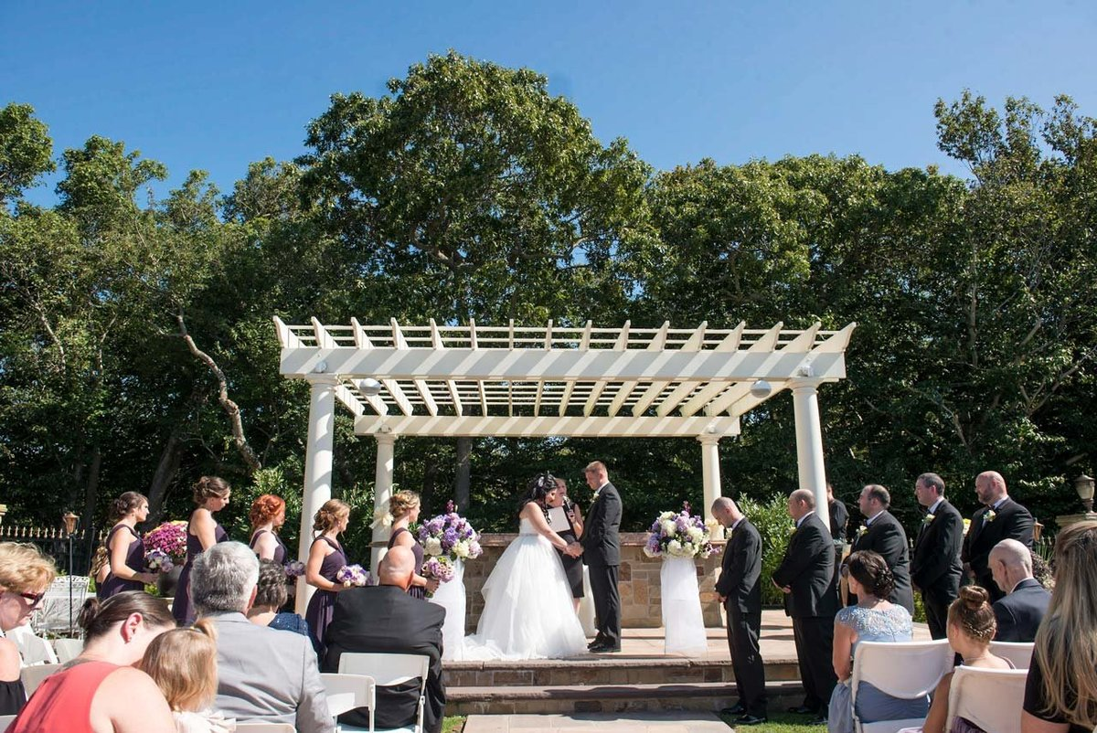 Giorgio's Baiting Hollow pergola wedding ceremony