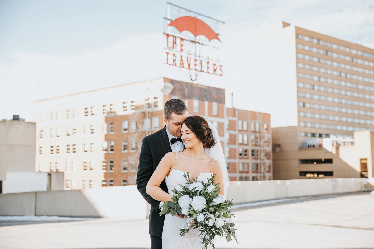 Traveler's SIgn Wedding Photos in Des Moines