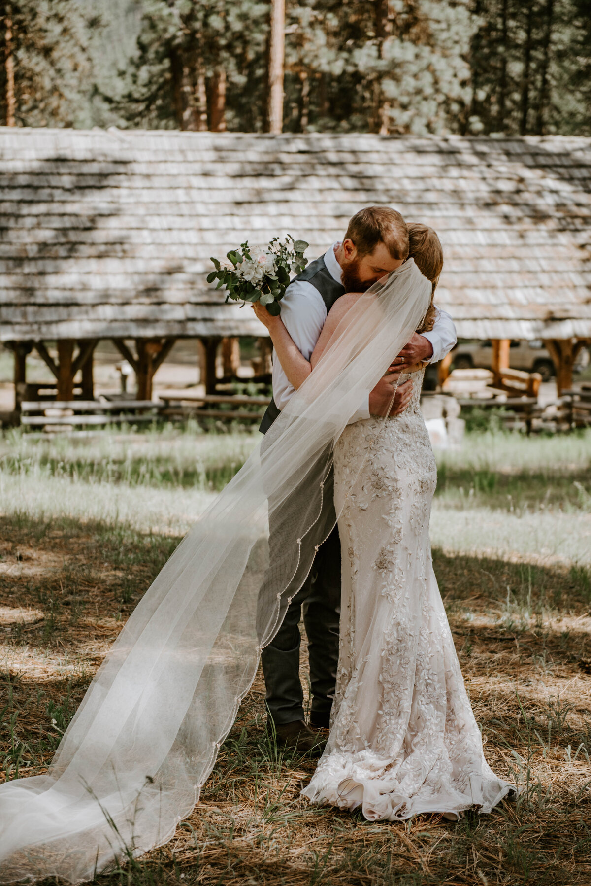 ochoco-forest-central-oregon-elopement-pnw-woods-wedding-covid-bend-photographer-inspiration2451