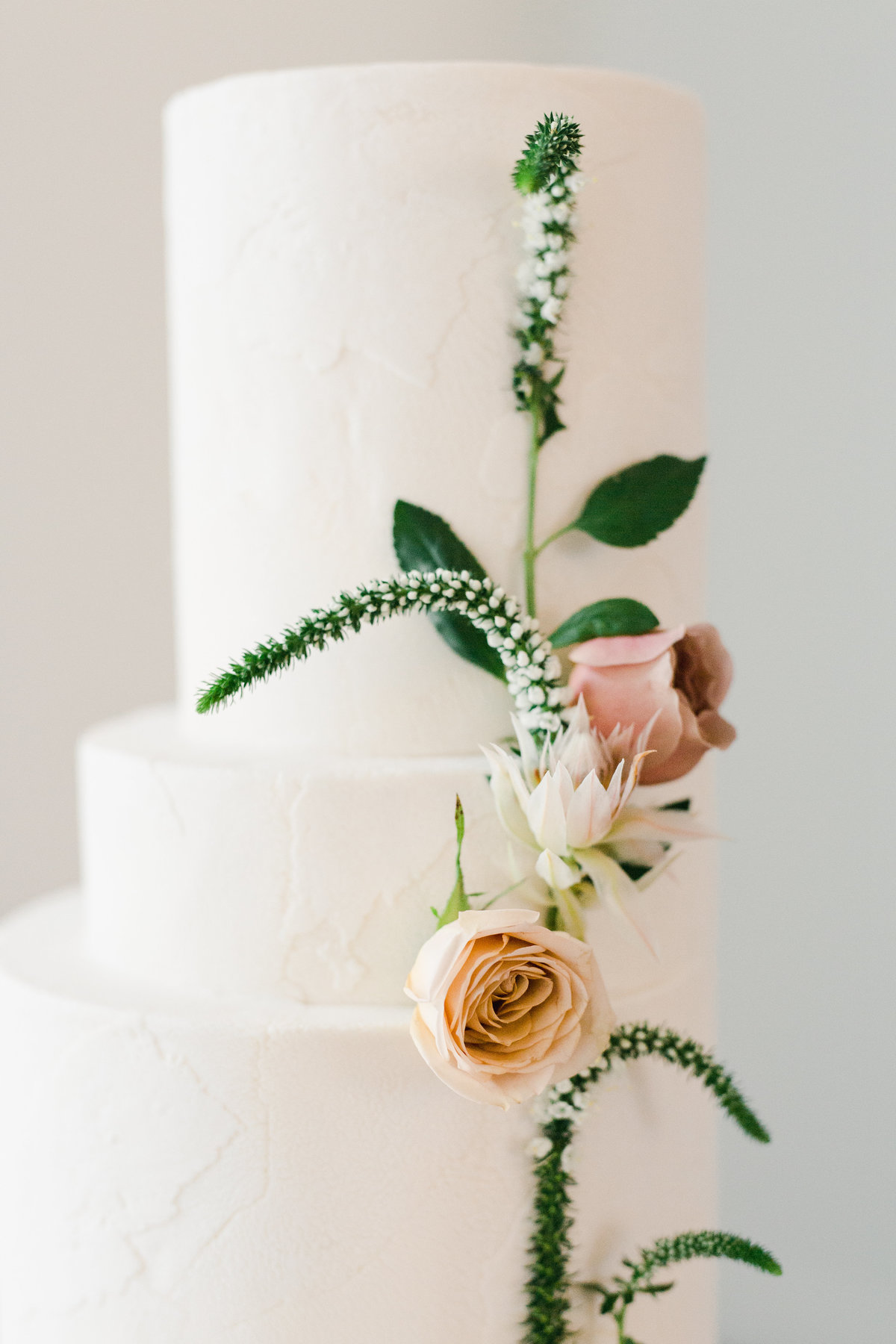 vertical cake flowers