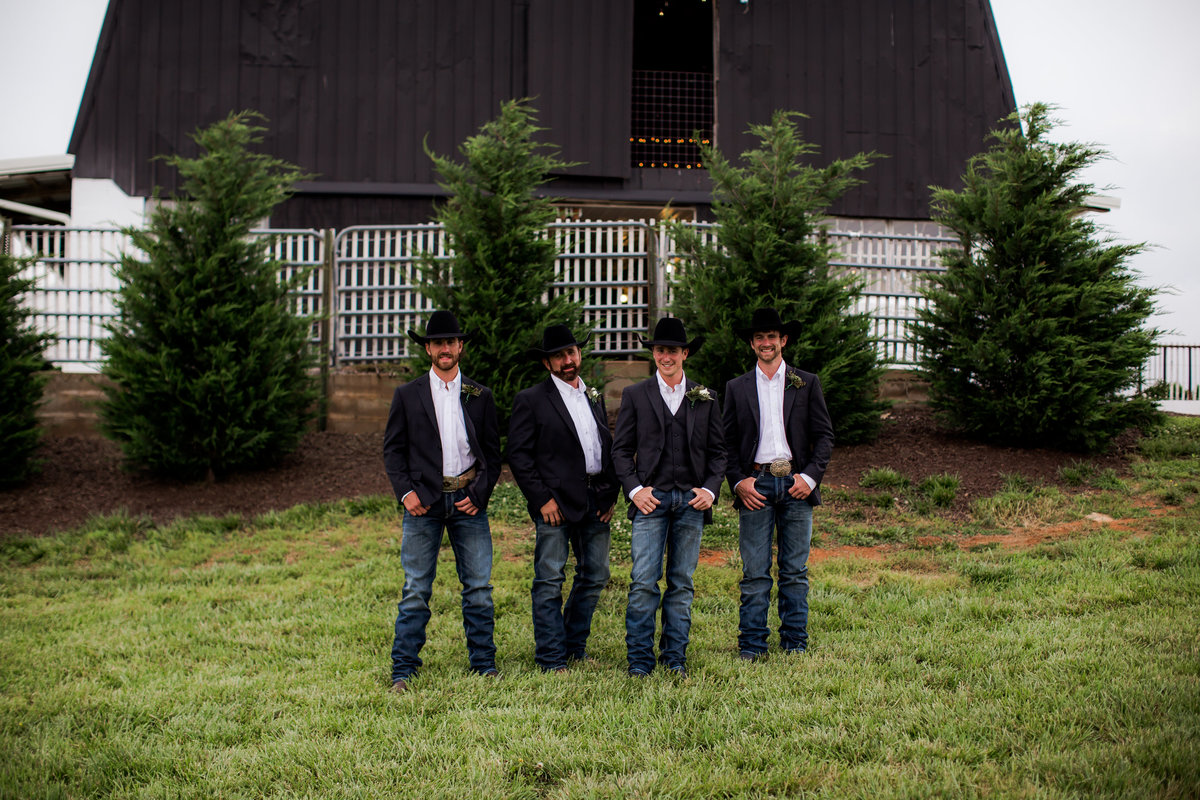 Nsshville Bride - Nashville Brides - The Hayloft Weddings - Tennessee Brides - Kentucky Brides - Southern Brides - Cowboys Wife - Cowboys Bride - Ranch Weddings - Cowboys and Belles042