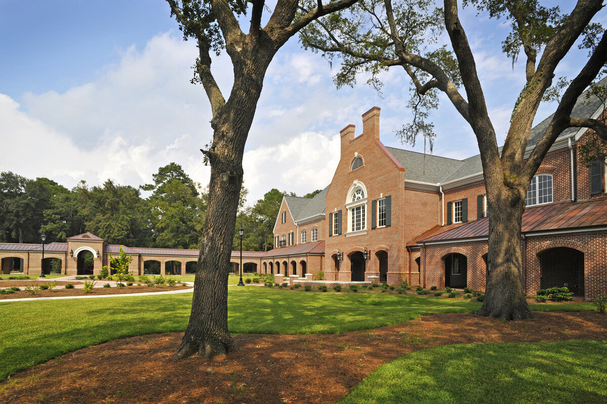front lawn with breezeway at the Savannah Country Day School