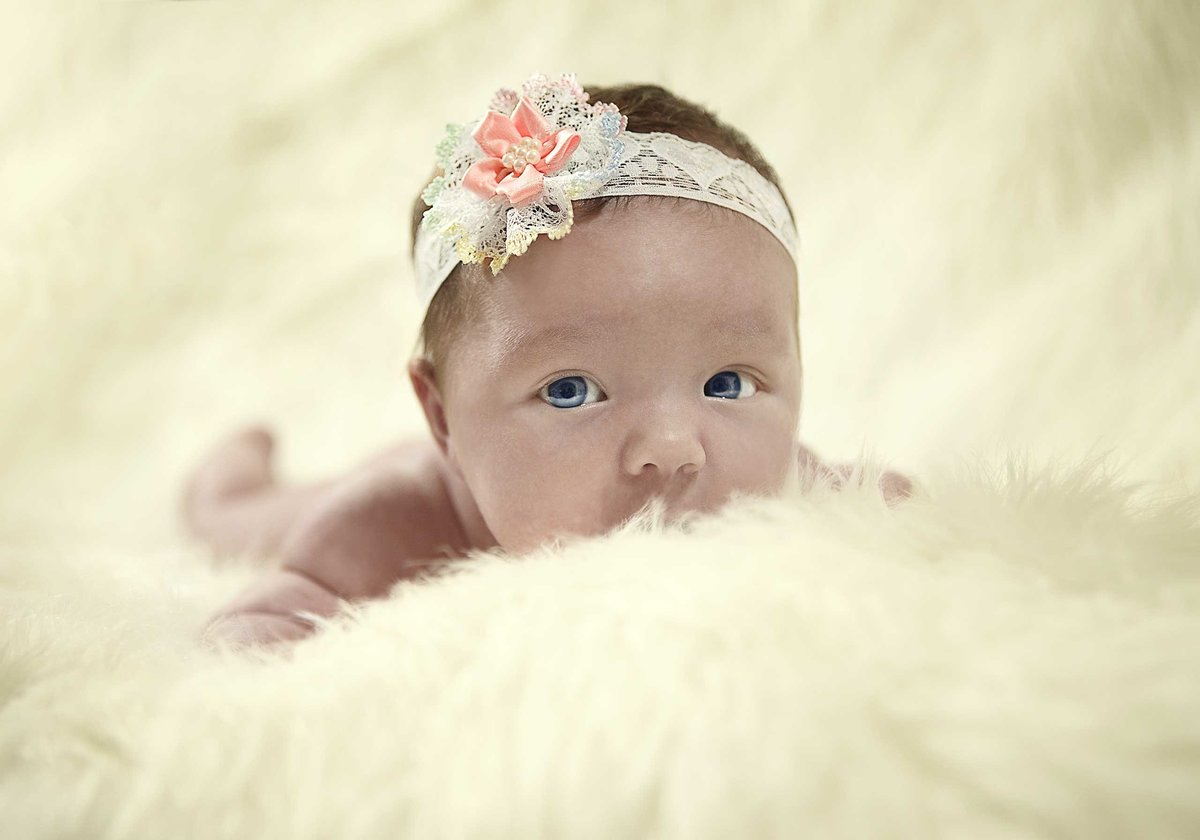 Lexie-Hindmarsh-Newborn-Portrait-321-10x7in