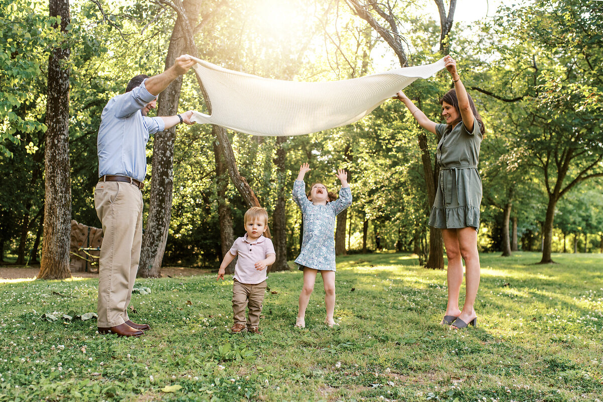 Lindsey Powell Photography, Maternity, Newborn, Family, Infants, Children, Birthdays, Lifestyle. Atlanta, Marietta, Kennesaw, Acworth, East Cobb, Buckhead, Sandy Springs, Roswell, Woodstock, Alpharetta and surrounding areas.