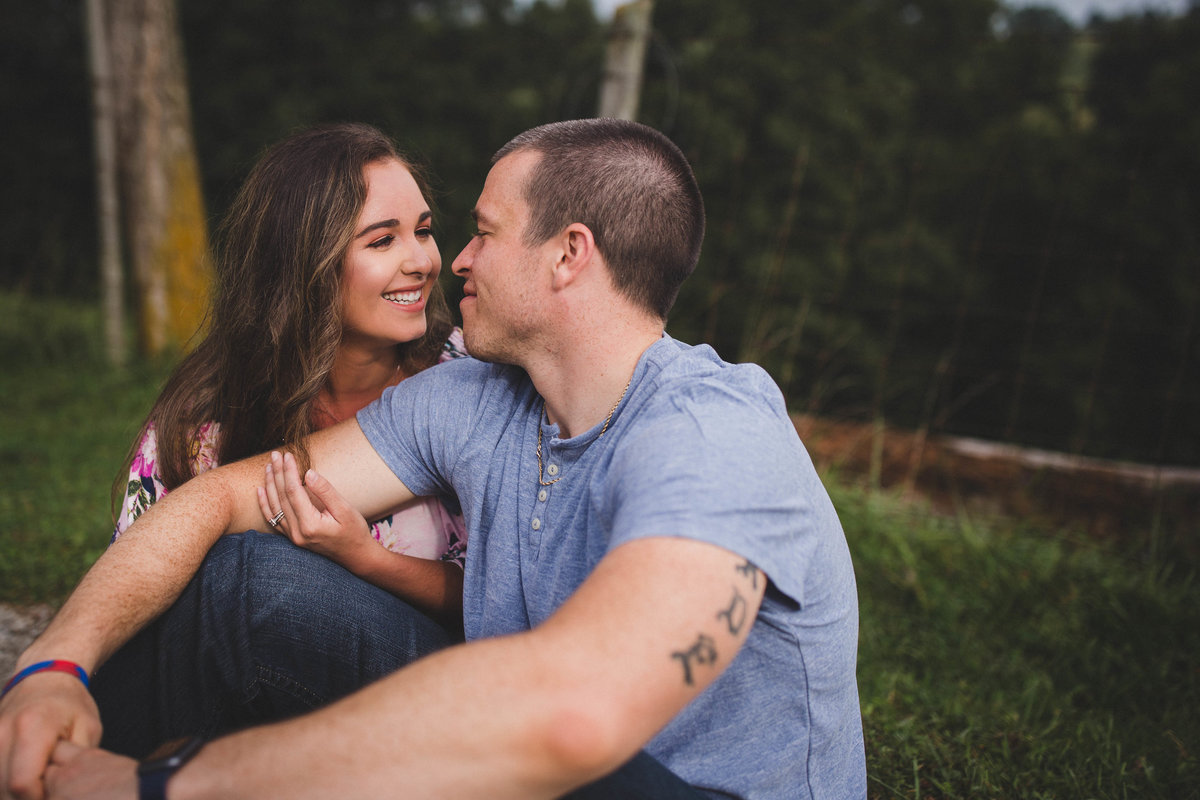 lebanon-virginia-farm-engagement-photographer-30