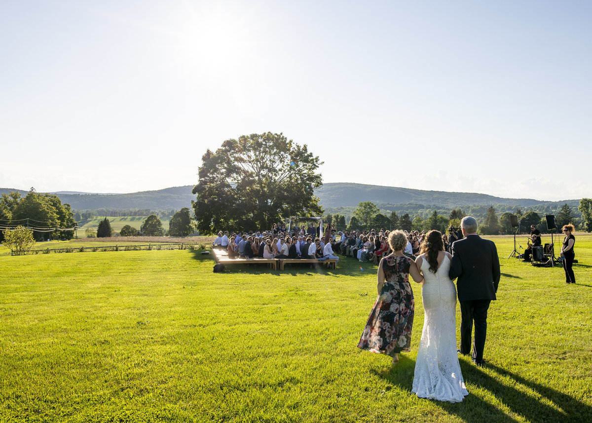 web_534Lion-Rock-Farm-Connecticut-wedding-monica-relyea-events-hudson-valley-jewish-wedding-hannah-cohen-photography-planner-new-york-city-couple