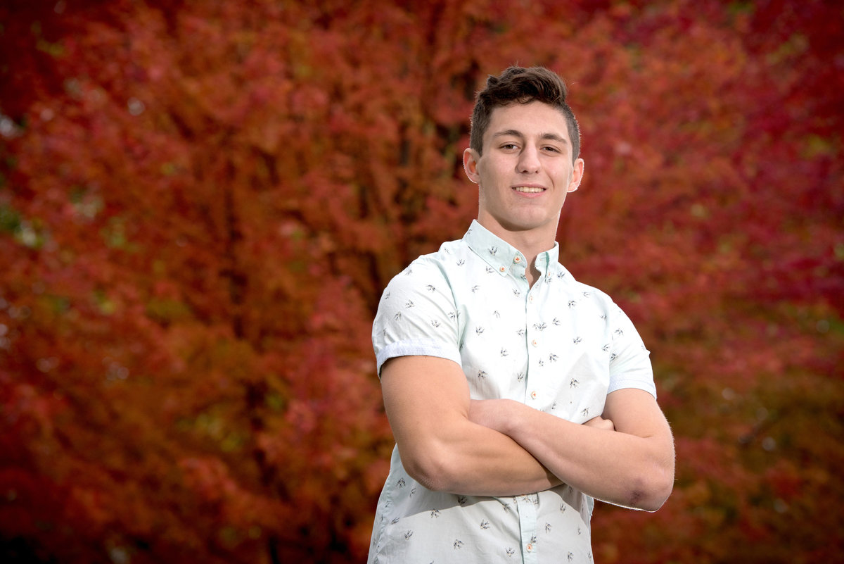 fall-colors-senior-portrait-of-Geneva-High-School-student-Michael-Ninni